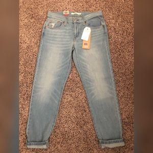 Levi's Jeans - Levi's Boyfriend Jeans NWT